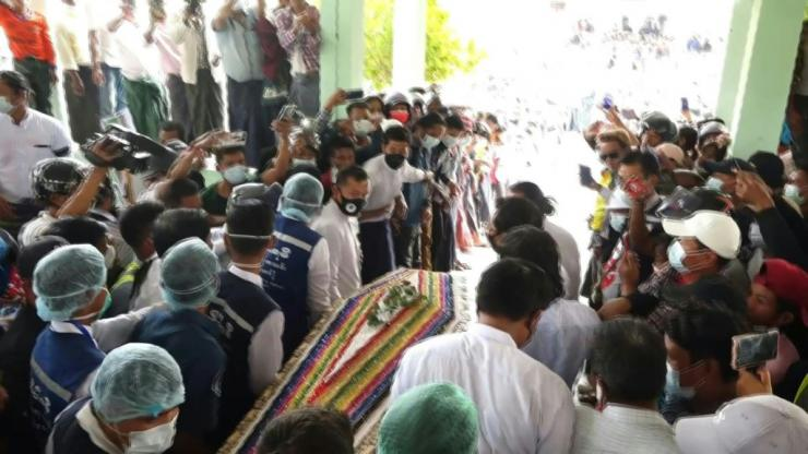 - SEE ALSO VIDI93G8BB_ENN°93G8VZThousands gather to mourn in Myanmar's capital as the body of Mya Thwate Thwate Khaing, a young woman struck down during a rally against this month's military coup, is carried to a ceremony marking the end of her short lif