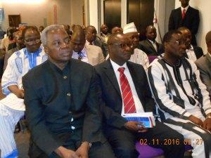 Le personnalités invités avec à l'extrême gauche M. Tertus Zongo, ancien Premier ministre du Burkina Faso.