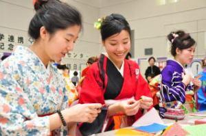 なつかしい日本の遊び, 折り紙、雛人形作り、囲碁、将棋くずし、紙風船、福笑い、けん玉、だるまおとし…なつかしい日本の遊びをしました。