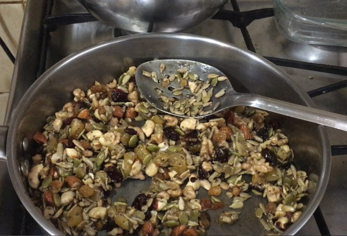 Mixed nuts and seeds bar