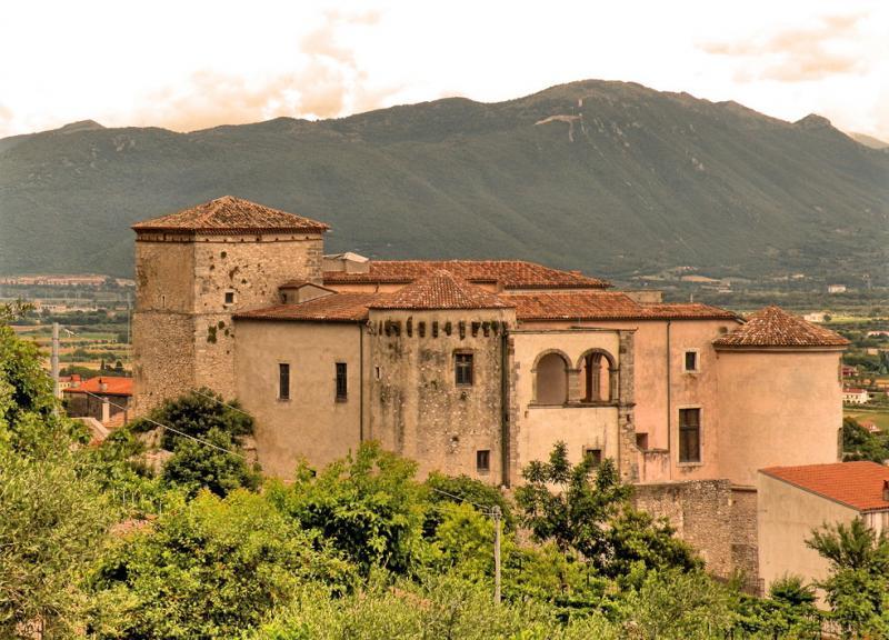 Castelos italianos abertos para visitas: Pandone di Venafro.