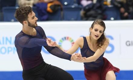 French dancers create golden memories