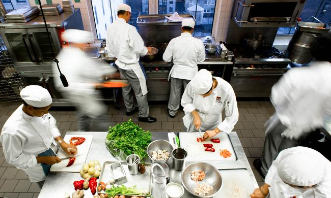 School of Culinary Arts   Career Programs   LA Campus   ICE ICE Students get experience in professional kitchens with real world  externships built into the curriculum