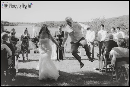 creative-ways-to-exit-your-wedding-ceremony-jumping-for-joy-on-your-wedding-day
