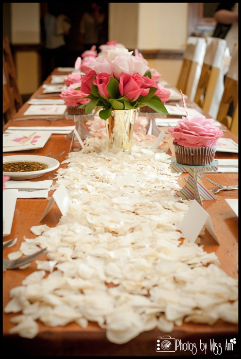 unique-idea-for-table-runners-rose-petal-table-runner-iceland-wedding-planner