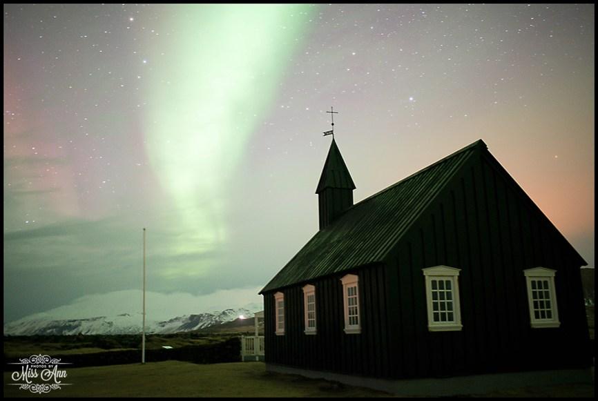 northern-lights-at-hotel-budir-iceland-wedding-photographer-photos-by-miss-ann
