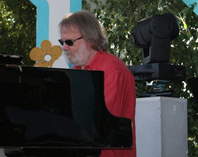 Benny leads rehearsals at Skansen