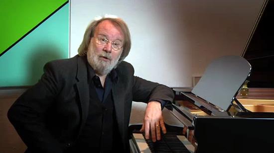 Benny commenting on Anita Lindblom's hit recording of Sånt är livet