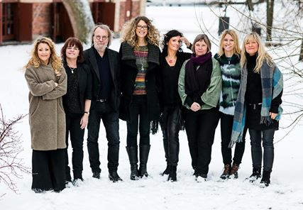 Benny and the female folk artists 'Systerpolskan'.