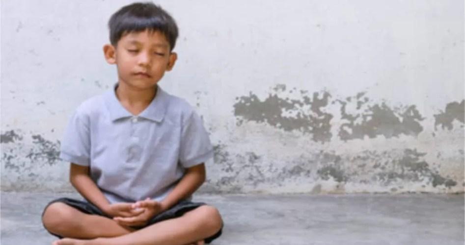 thai-children-meditate.jpg