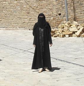 abaya.jpg