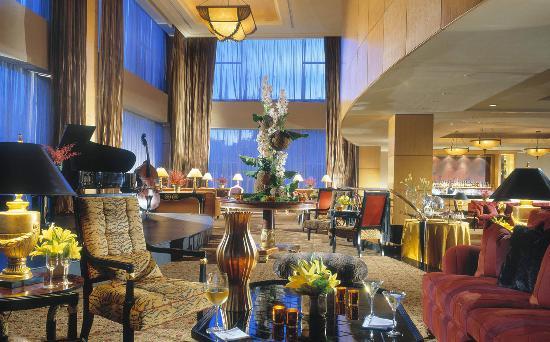 the-cascade-lounge-hotel-mulia.jpg