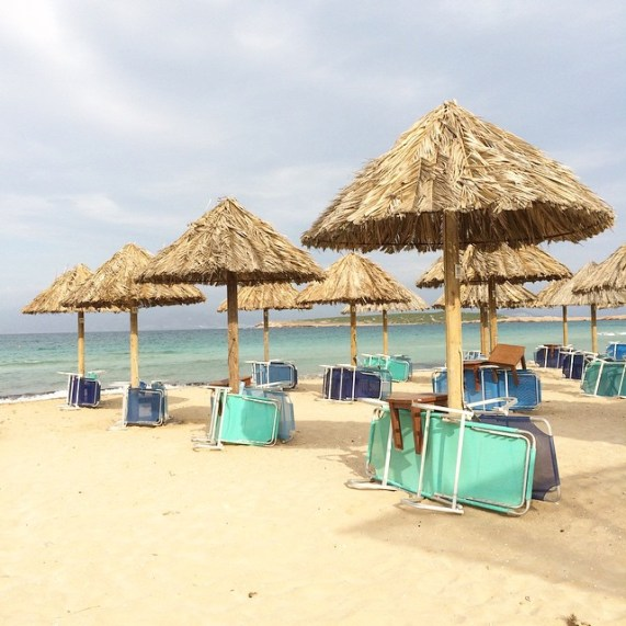Die_liegen_haben_Urlaub__es_ist_zu_d_ster_im_Paradies___Paros__santamaria__tag34von61__diegro_efahrt