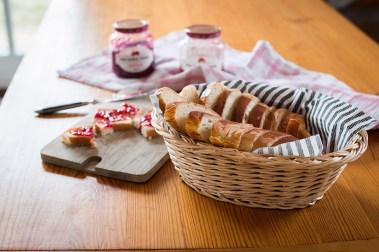 Mein perfektes Rezept für einen Hefezopf mit Apfel. Saftig und locker fluggiger Osterzopf für den Osterbrunch findet ihr auf dem Blog.
