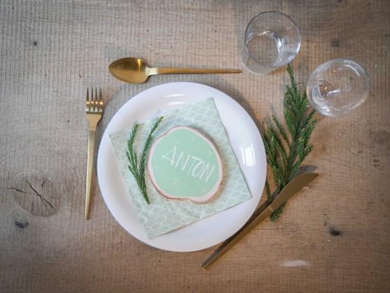DIY für schnelle Platzkarten für die Tischdekoration. Ich mag personalisierte Tischdekoration und sind zeitgleich ein Gastgeschenk. | Ichsowirso.de