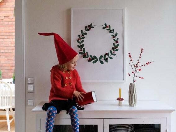 """Heute gibt es ein Paket aus dem Shop von Bloggerin Claudi und ihrem Blog wasfürmich. Unter anderem natürlich das neue """"Schwups sucht den Weihnachtsmann"""" Jetzt auf ichsowirso.de"""