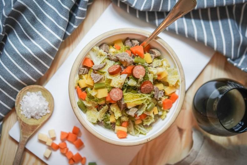 Ein herzhafter low carb Eintopf mit Gemüse und Fleisch als optimales Gericht für gesunde Ernährung nach der Logimethode.   Ichsowirso.de