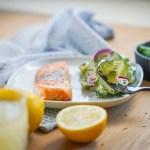 Akutes lowcarb Lieblingsessen / Avocado- Gurkensalat mit Lachs