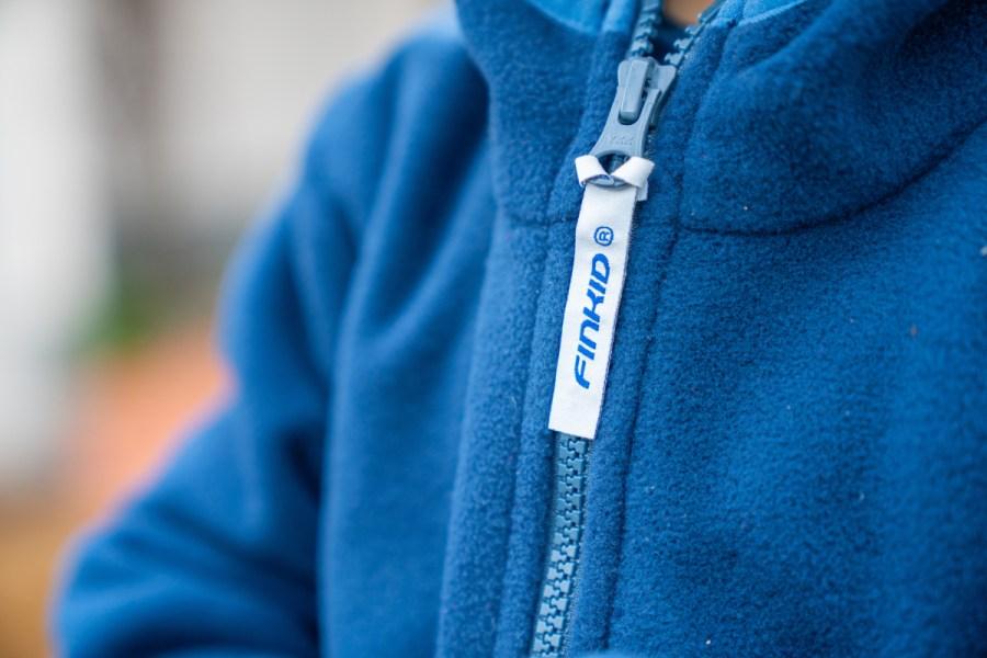 Frühlingsoutfits für Kinder. Welche Garderobe braucht man eigentlich und was ist praktisch? Meine Ideen zu Übergangskleidung findet ihr auf dem Blog | Ichsowirso.de