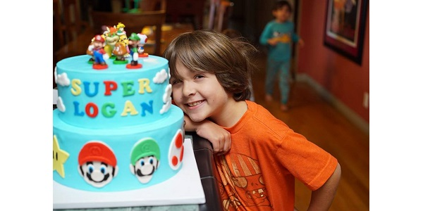 BirthdayBoyWith SuperMarioCake