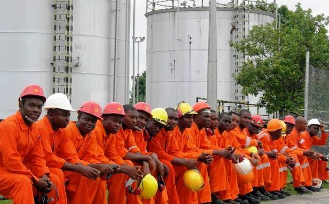 Nigeria oil revenue threatened