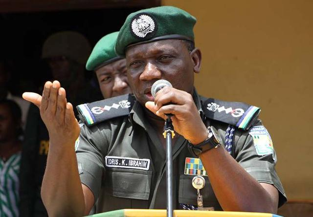 VIDEO: IGP struggles to read own speech at an event in Kano