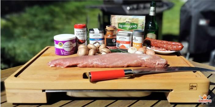 Schweinefilet gefüllt und mit Bacon ummantelt
