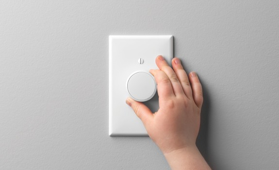 Lutron Unveils Aurora Dimmer That Fits Over Toggle Switch, Controls Philips Hue Smart Bulbs