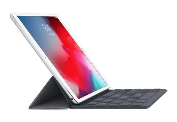 Apple Smart Keyboard for 10.5-inch iPad Air and iPad Pro On Sale for 50% Off [Deal]
