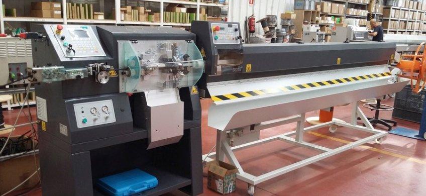 Máquina automática para producir cableado industrial a medida