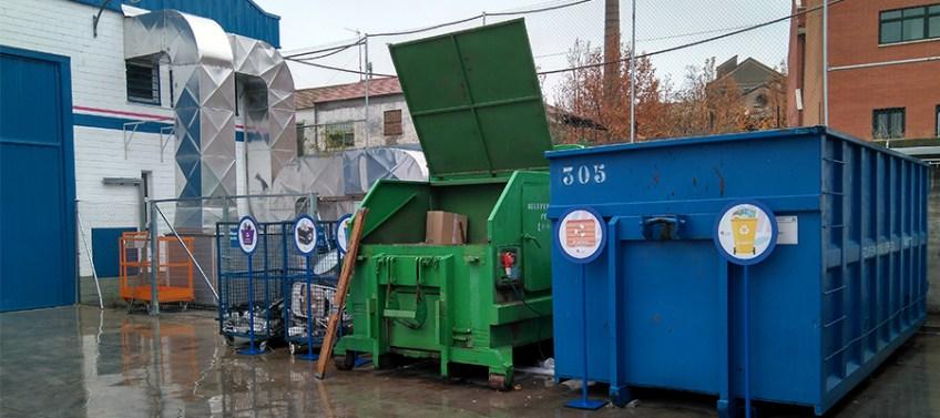 Contenedores para reciclar residuos en fábrica de ICM de cableado a medida