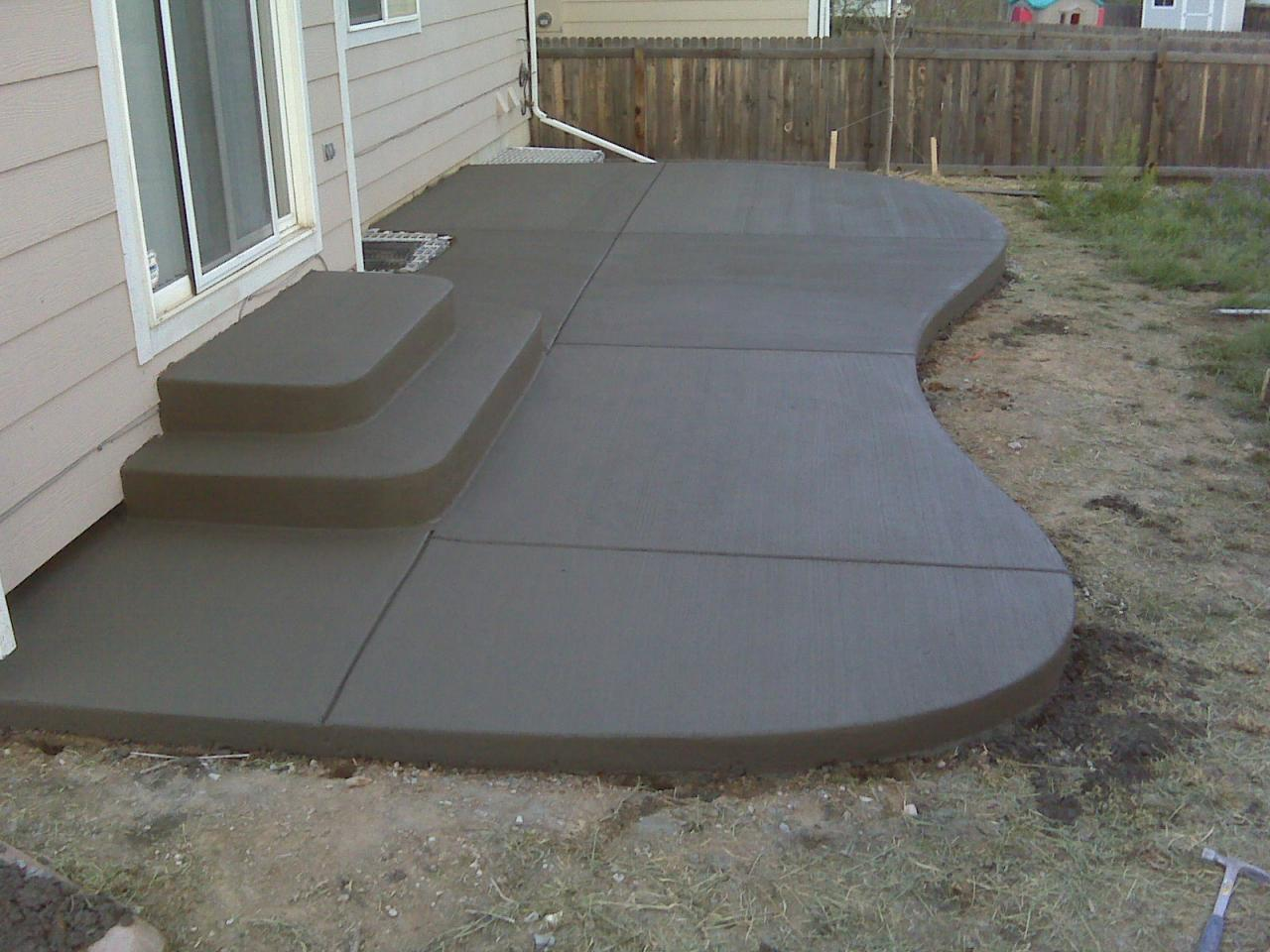 23+ Simple Concrete Patio Ideas Background