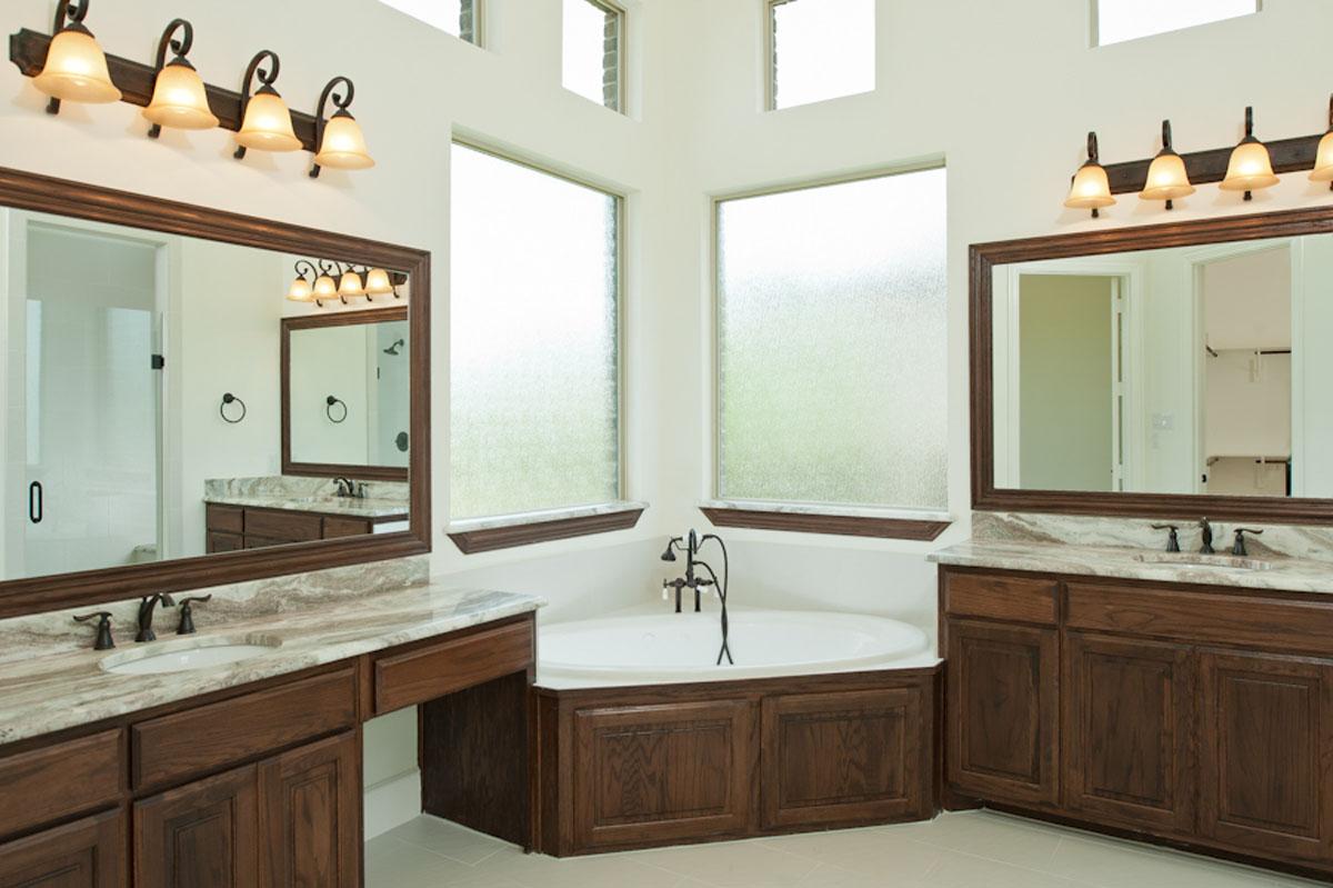 Traditional Master Bathroom Designs Icmt Set Elegant