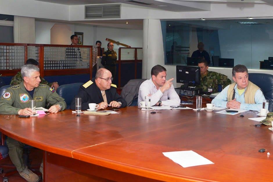 Santos con la cúpula militar para revisar situación por los secuestrados
