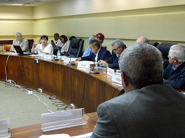 IATA y ALAV explican a la Asamblea Nacional las deudas del gobierno de Maduro