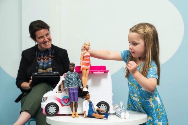 New study shows that playing with dolls allowschildren to develop empathy