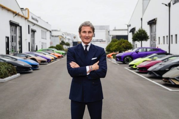 Automobili Lamborghini closes 2020 with 7,430 cars delivered