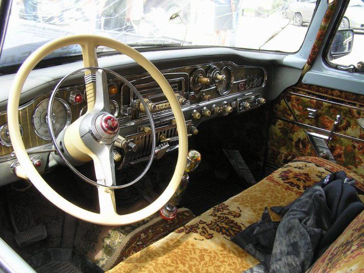 """Algunos coches del Este fueron suntuosos: interior de un GAZ 13 """"Chaika"""""""