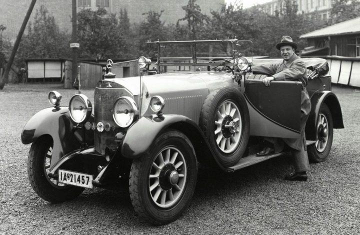 Historia de Mercedes-Benz: El tenor Richard Tauber con su Mercedes Typ 24/100/140 PS, vendido a partir de 1926 como Mercedes-Benz Typ 630 | Daimler AG