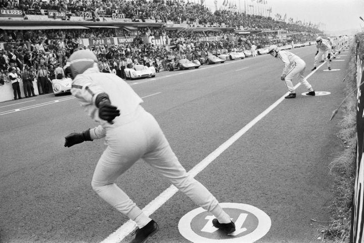 "Esa salida legendaria estilo ""Le Mans""..."