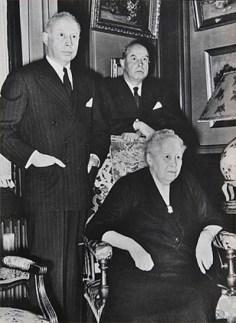 Hans y Fritz Schlumpf con su madre