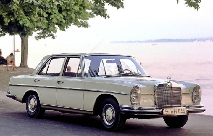 Mercedes-Benz W108/109 (1965-72)   Daimler