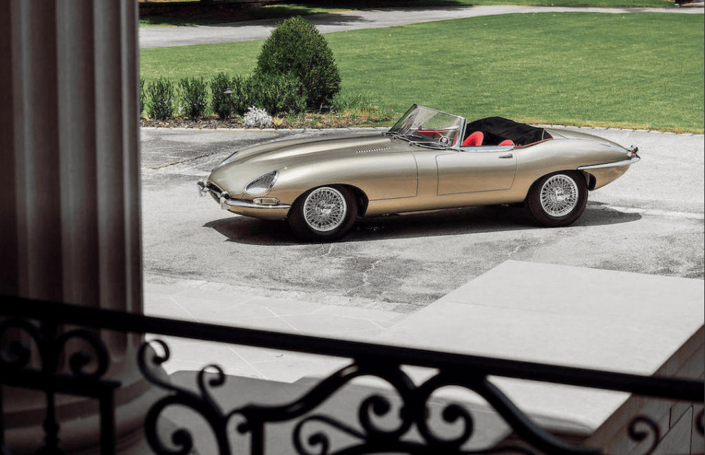 Bonhams 1964 JAGUAR E-TYPE SERIES I 3.8 ROADSTER 235.200 $