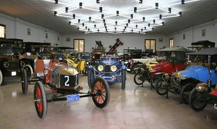 Museos de Coches de España y Portugal: Museo Coches Antiguos Hermanos del Val
