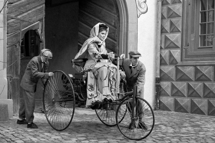 Recreación de la partida de Bertha Benz