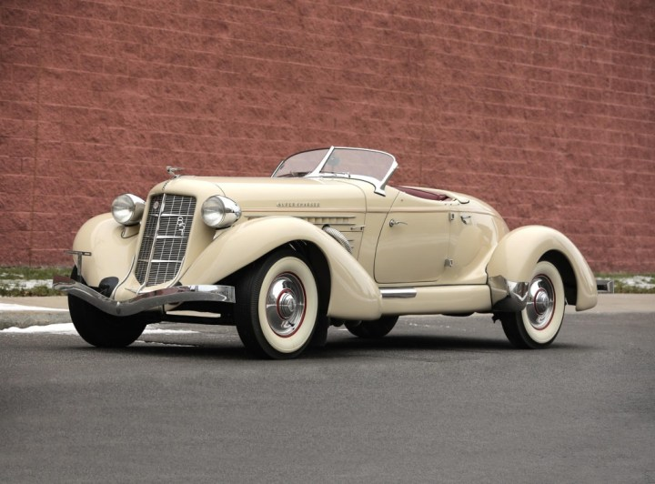 Crónicas Arizona 2019 Worldwide Auctioneers 1935 Auburn 851 Supercharged Speedster 687.500 $