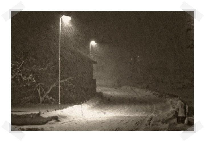 Las tres hermanas - Nieve noche farolas