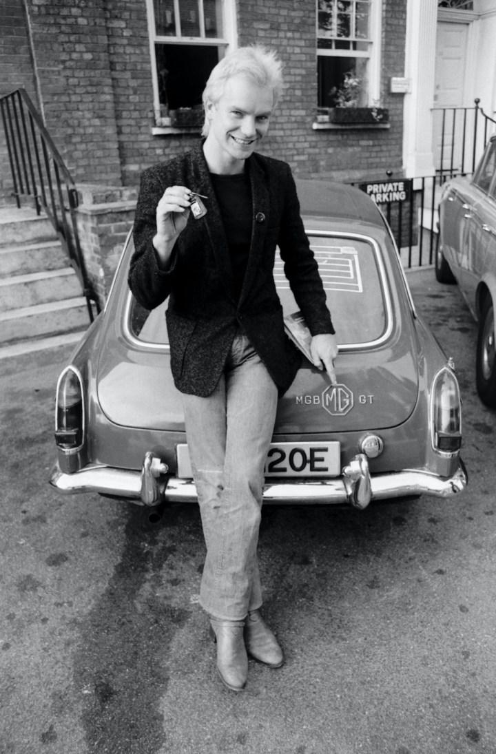 Sting con su MGB GT en Londres en 1978 | Denis O'Regan/Getty Images