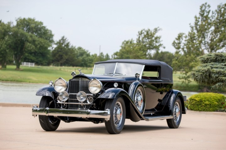 Subastas Monterey 2020 08 RM Sotheby's Packard Deluxe Eight Individual Convertible Victoria by Dietrich (1932)