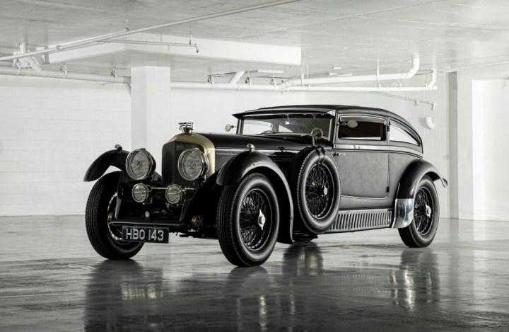Subastas Monterey 2020 RM Sotheby's 1953 Bentley Blue Train Replica by Racing Green 418.000$